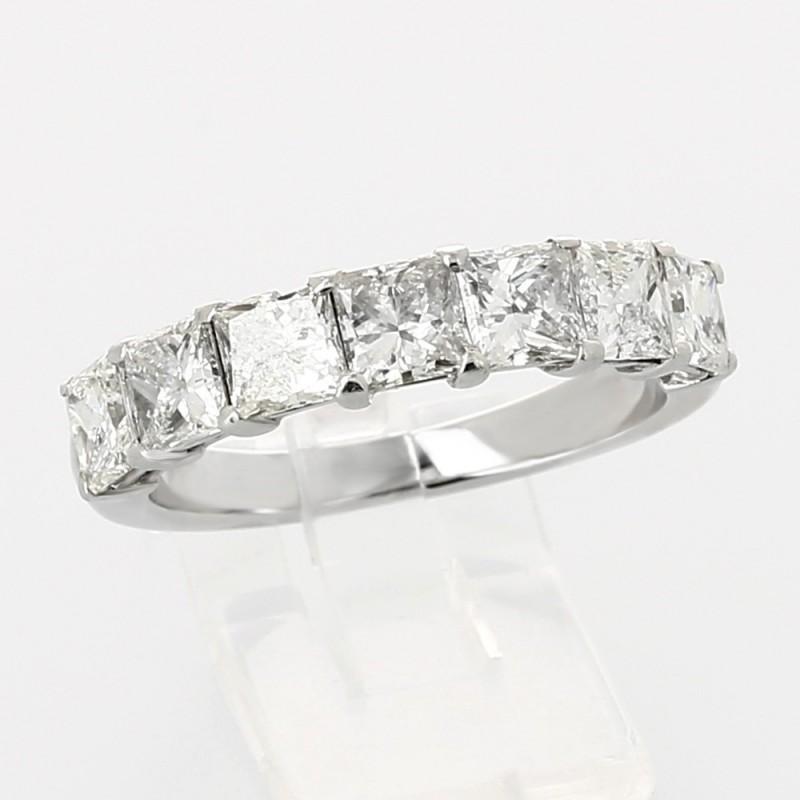 Alliance mariage demi tour princesses serti griffes diamants 2,70 carats-or 18 carats