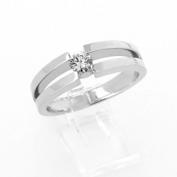 Solitaire original sertissage demi-clos diamant 0,26 carat - or 18 carats