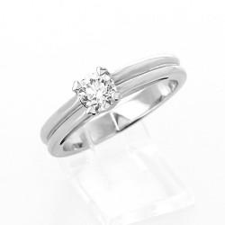 bague diamant solitaire 4 carats bijoux la mode. Black Bedroom Furniture Sets. Home Design Ideas