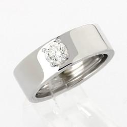 Bague solitaire montée sur un jonc large plat serti 4 griffes diamant 0,50 carat-or 18 carats