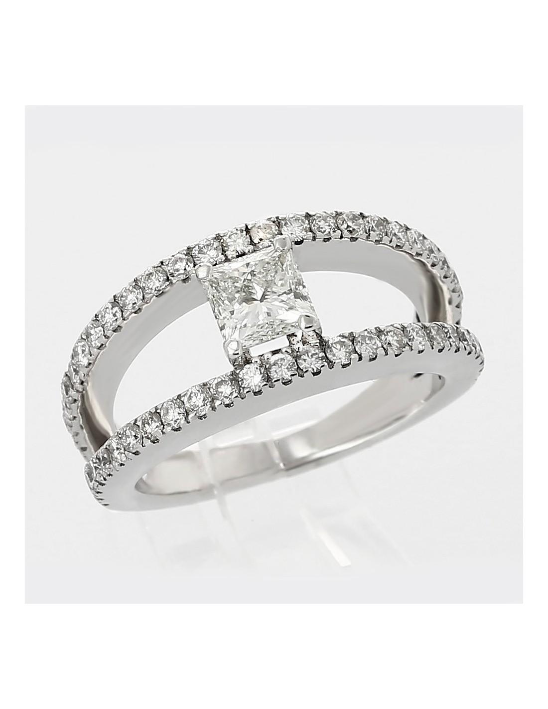 Bien-aimé Bague de fiançailles type solitaire. Diamant taille princesse 0,80  OA83