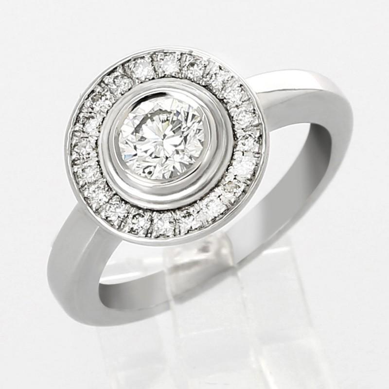 Solitaire retro serti clos entourage diamants 0,65 carat-or 18 carats