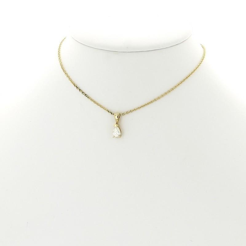 Collier pendentif femme un diamant poire de 0,40 carat serti par 3 griffes, monté sur bélière, or 18 carats
