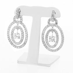 Boucles d'oreilles pendants modernes pavées de diamants sertis griffes et mini-griffes en or 18 carats