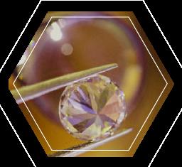 diamants à la loupe pour comprendre les 4C