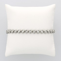 Bracelet  rivière Tennis femme en serti clos pour 3,17 carats fermeture avec cliquet et deux huits de sécuité - or 18 carats