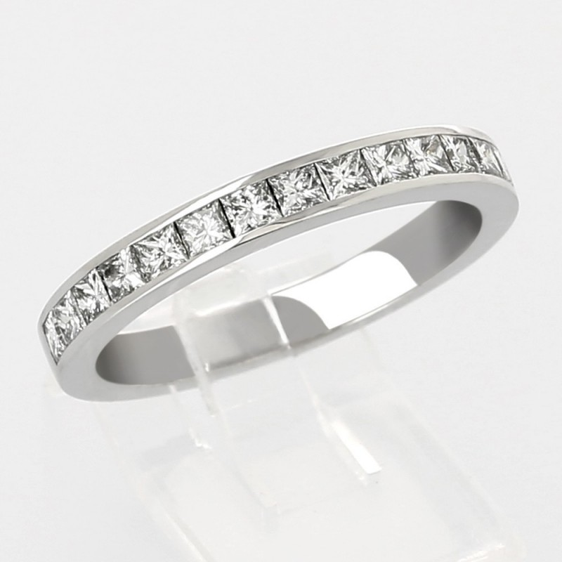 Alliance mariage serti rail diamants princesses 0,66 carat-or 18 carats