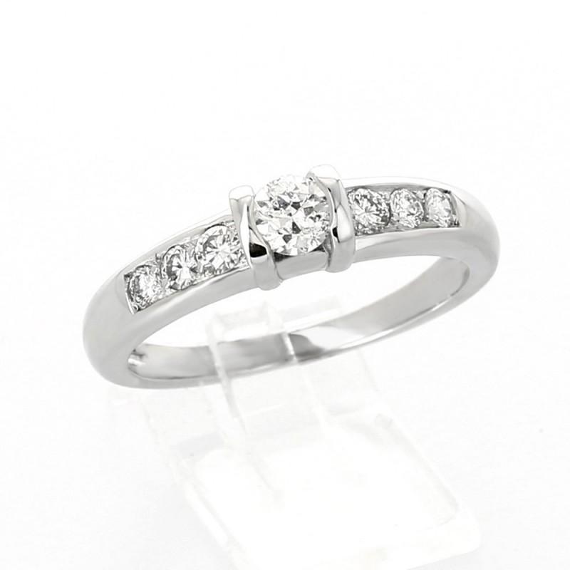 Solitaire moderne pavé diamant serti demi-clos 0,51 carat au total - or 18 carats