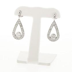 Boucles d'oreilles en dormeuses goutte en serti grains avec diamant central serti clos en or blanc 18 carats