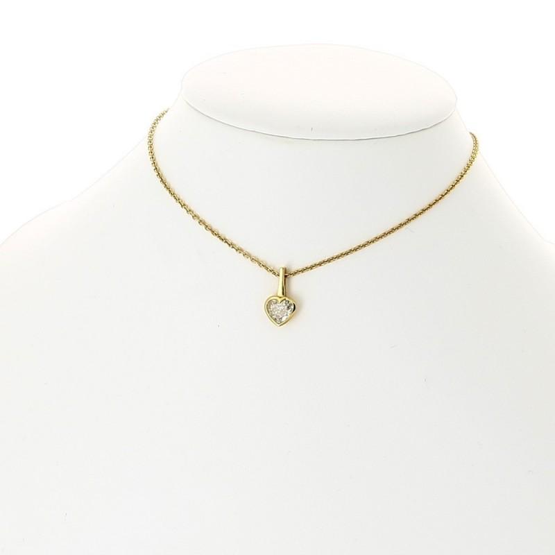 Collier pendentif cœoeur femme 1 diamant serti en clos pour un poids de 0,67 carat, avec bélière, en or 18 carats