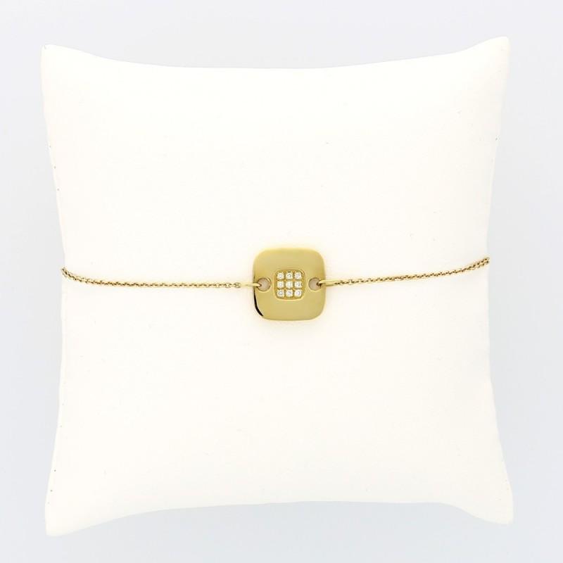 Bracelet enfant plaque carrée serti au centre diamant 0,06 carat or 18 carats