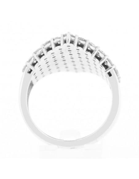 Bague moderne pavée de diamants sertis sur griffes en or 18 carats