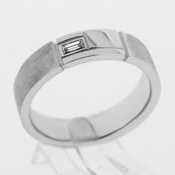 Alliance pour homme en or 18 carats serti d'un diamant de taille baguette