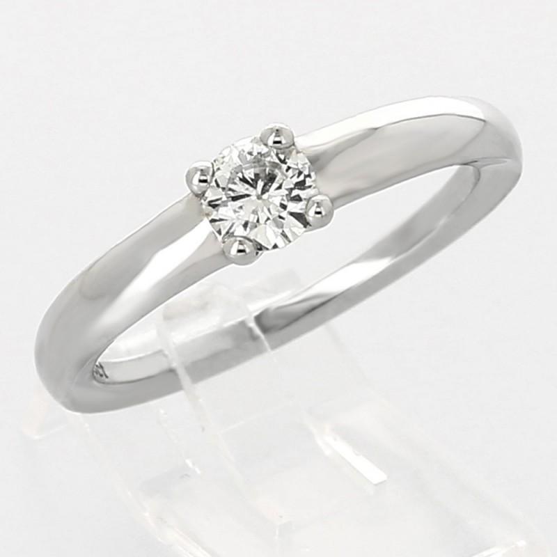 5fd40777bb5 Bague de fiançailles avec diamant serti griffes en or 18 carats